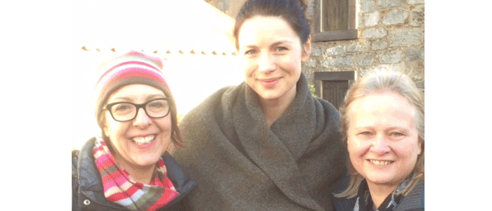 Emma and Anne from Mary's Meanders with Claire (Caitriona Balfe) during the filming of Outlander